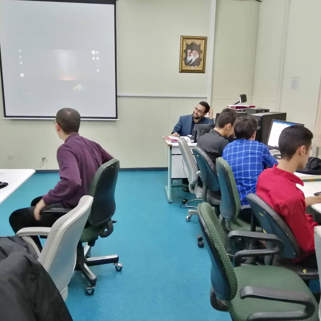 کلاس آموزش مبانی فناوری اطلاعات در دانشگاه فرهنگیان اردبیل